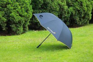 diem manh cua chiec o du cam tay keo poly2 300x200 - Điểm mạnh của chiếc ô dù cầm tay kèo Poly