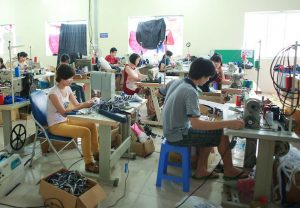 nhung dieu ma xuong san xuat o du can luu y2 300x208 - Những điều mà xưởng sản xuất ô dù cần lưu ý